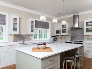 New Forest house - FF&E SWM Interiors & Sourcing Ltd Cocinas de estilo clásico