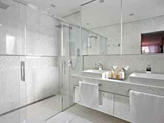 Gláucia Britto Modern bathroom