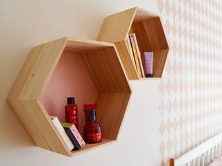 Appartement 60m² - Villejuif: Chambre de style  par Sandrine Carré