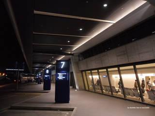 สนามบิน โดย WORKTECHT CORPORATION, โมเดิร์น
