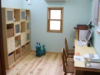 レトロナチュラルなリフォーム 木のキッチンのある暮らし ナチュラルインテリア専門店 ミヤカグ 勉強部屋/オフィス収納