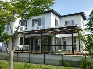 西川真悟建築設計 Casas de estilo moderno