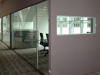 Modern office buildings by Buys Glas Modern
