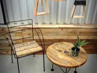 Mobiliario:  de estilo industrial por Habanero Mobiliario, Industrial