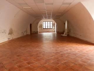 Ufficio Tecnico 360°:  in stile  di Studio Tecnico 360° Geom. Federica Calvisi