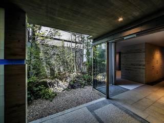 Jardins modernos por 松田靖弘建築設計室