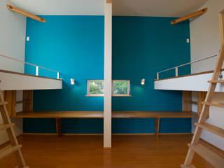 さまざまの居所のある住まい: m+h建築設計スタジオが手掛けた子供部屋です。,