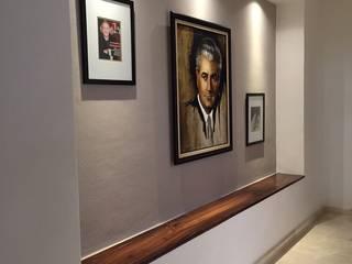 Corridor & hallway by DECO Designers