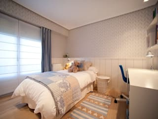 Sube Susaeta Interiorismo - Sube Contract diseño interior de casa con gran cocina: Dormitorios infantiles de estilo clásico de Sube Susaeta Interiorismo