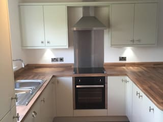 Mrs Oliver, St Athan.: classic  by Kite Kitchens Ltd, Classic