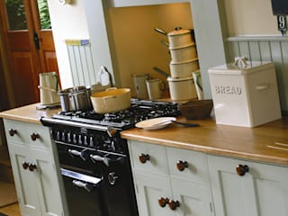Crundale Country style kitchen by Thoroughly Wood Country