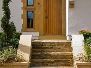 Front Entrance Rumah Gaya Country Oleh Wildblood Macdonald Country