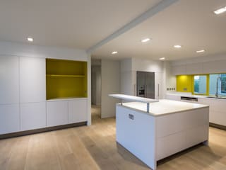 1207 Modern kitchen by Gavin Langford Architects Modern