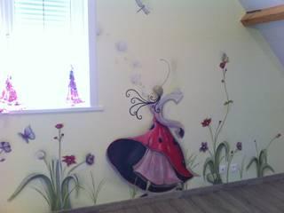 Fresques pour les enfants Chambre d'enfant moderne par Emilie Cardinale Moderne