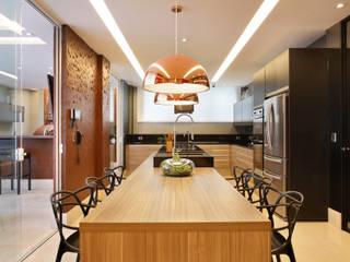 Кухня в стиле модерн от Arquitetura e Interior Модерн