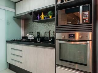 廚房 by Lo. interiores