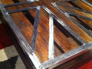 """Table palette """"Union Jack"""" par FER et REFER Industriel"""