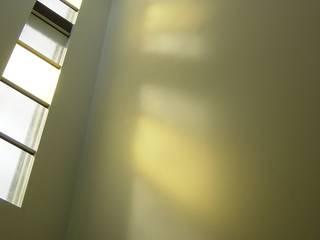 Nowoczesne okna i drzwi od suz-sas Nowoczesny