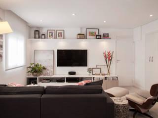 Helô Marques Associados Salas multimedia de estilo moderno