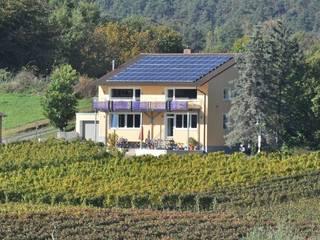 Energieeffiziente Sanierung mit regenerativer Energie Moderner Balkon, Veranda & Terrasse von Architekturbüro Hißler Modern