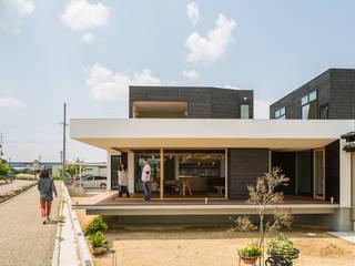 ふたつの芽: murase mitsuru atelierが手掛けた家です。,インダストリアル
