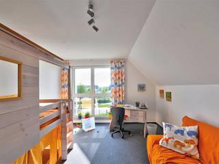 """Das """"EnergieAutarkeHaus von HELMA"""" , Kinderzimmer:  Kinderzimmer von Helma Eigenheimbau AG"""
