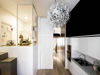 Cocinas de estilo moderno de Studio Tenca & Associati