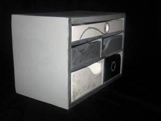 Petit meuble de bureau sur mesure Meubles en carton sur mesure Salle multimédiaMeubles Métallisé / Argent