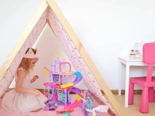 Domek namiot tipi flamingi: styl , w kategorii  zaprojektowany przez Lucky Kids