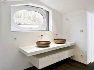 Saint-Tropez réHome Salle de bainLavabos