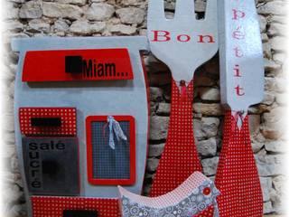 Ambiance rouge et noire pour une cuisine de campagne par Vitoune Rural