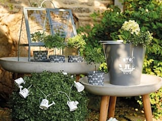 Ella James Garden Accessories Range von ELLA JAMES Klassisch