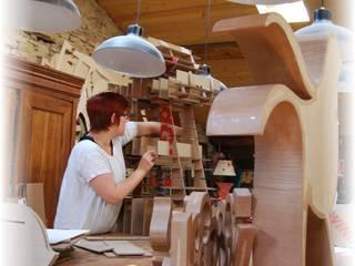 Atelier d'une cartonniste Espaces de bureaux industriels par Vitoune Industriel