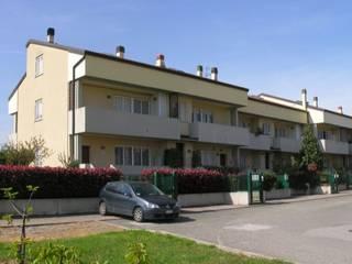 RESIDENZIALE – GRAZIA DELEDDA (OSTERIA GRANDE): Case in stile in stile Moderno di Costruzioni Romagnoli