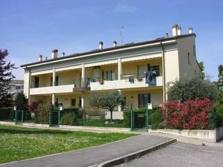 RESIDENZIALE – GRAZIA DELEDDA (OSTERIA GRANDE): Case in stile  di Costruzioni Romagnoli