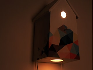 "Birdhouse lamp ""Bee's dream"" de NOBOBOBO Escandinavo"