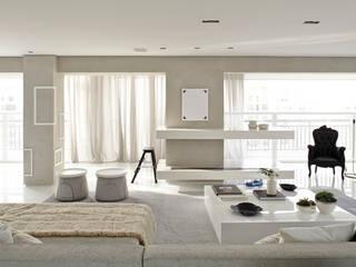 Modern living room by Lovisaro Arquitetura e Design Modern