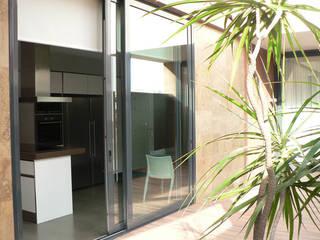 vivienda unifamiliar en Puçol Casas de estilo moderno de aguilar avila studio Moderno