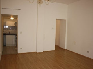 Wohnraum vorher:   von firstlook Homestaging & Redesin