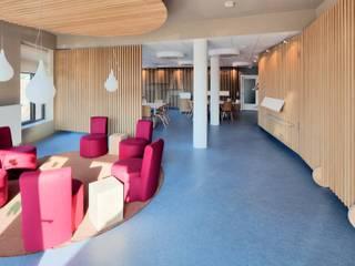 tillschweizer.co Koridor & Tangga Modern