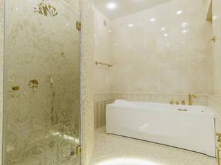 Дом в Дагомысе Ванная в классическом стиле от Креазон Классический