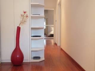 Appartamento destinato alla vendita in Bologna:  in stile  di Sabrina Home Stager, Moderno