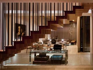 Casa de la Luz Pasillos, vestíbulos y escaleras modernos de C Cúbica Arquitectos Moderno