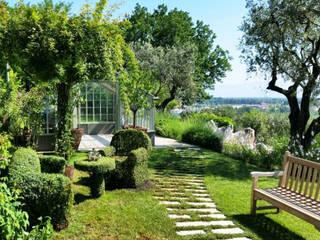 Jardines de estilo ecléctico por Fiorenzobellina-lab