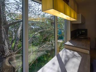 Salas / recibidores de estilo minimalista por Креазон