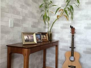 Modern dining room by Projeto Bem Bolado Modern