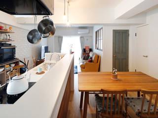 Scandinavian style dining room by 株式会社スタイル工房 Scandinavian