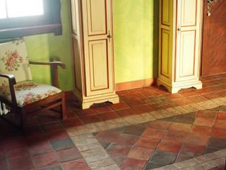rustic  by Rogiński Warsztat Artystyczny - DomRustykalny.pl, Rustic