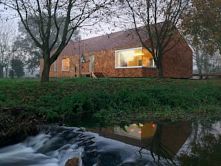Cedar House:  Houses by Hudson Architects
