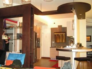 Ristrutturazione di un appartamento privato: Sala da pranzo in stile in stile Moderno di Studio d'Architettura 'Leptis Magna'